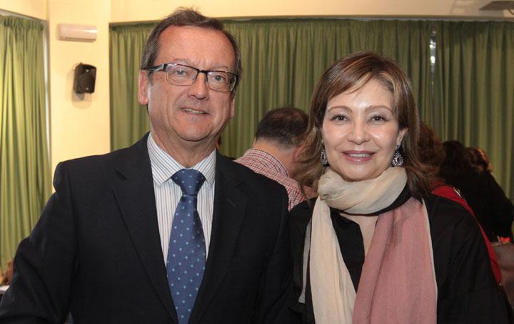 Jaime del Barrio, presidente de la Asociación de Salud Digital; e Inmaculada Ramos, directora médica de Linde Healthcare.