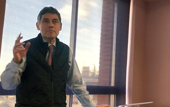 José María Eiros durante la sesion Impartida para BeNeumoBeYou
