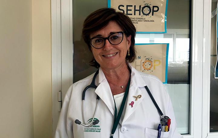 Ana Fernández-Teijeiro en su hospital