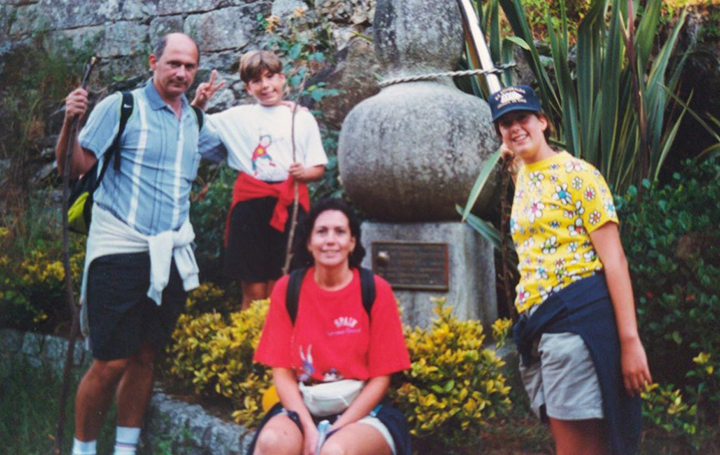 El doctor con su familia de niño haciendo el Camino de Santiago