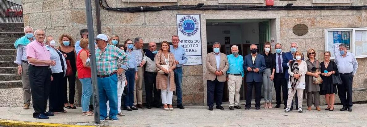 Foto del grupo de miembros de PSN en visita al Museo. Con ellos, Julio Ancochea y Miguel Santalices